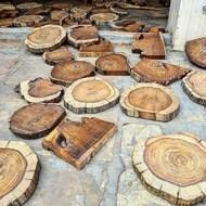 Cortes de madera preparados para ser carvados a 🤚🏼 convertidos en #blocks para estampar. Pura magia ✨.Wood cuts prepared to be carved by 🤚🏼converted into #blocks for printing. Pure magic ✨.I miss it @blockprintculture 🤎. .#dabu #madeinspain #india #organiccotton #organic #gotscertified #gots #blockprinting #arte #art #clarabaconce #tiedyed #indigo #handprinted #handmade #modasostenible #sustainablefashion #slowlife #slowfashion #shibori #vegan #vengansilk #oekotex #unisex #sunday #sundayfunday
