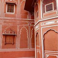 Lunes de soñar 💭que viajamos. Este sueño ocurrió hace ahora dos años.Hawa Mahal, Jaipur, India 🇮🇳.