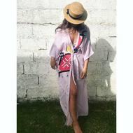 Con personas bonitas por dentro cuesta decidir en qué foto se ven más bonitas por fuera. No te puede quedar mejor @anaamado25 🌷. Y el Kimono, que os parece? Seguimos con ENVÍOS GRATIS 📦. . .#ss20 #tribe #tribal #rabari #rewari #tattoo #kutch #india #organiccotton #organic #gotscertified #gots #blockprinting #blockprintingart #tatuajes #tattoo #tattoart #arte #art #clarabaconce #tiedyed #fashion #indigo #handprinted #handmade #modasostenible #sustainablefashion #enviosgratis #etnico #modaetnica