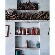 Esta es una vista de nuestro taller en India 💙.